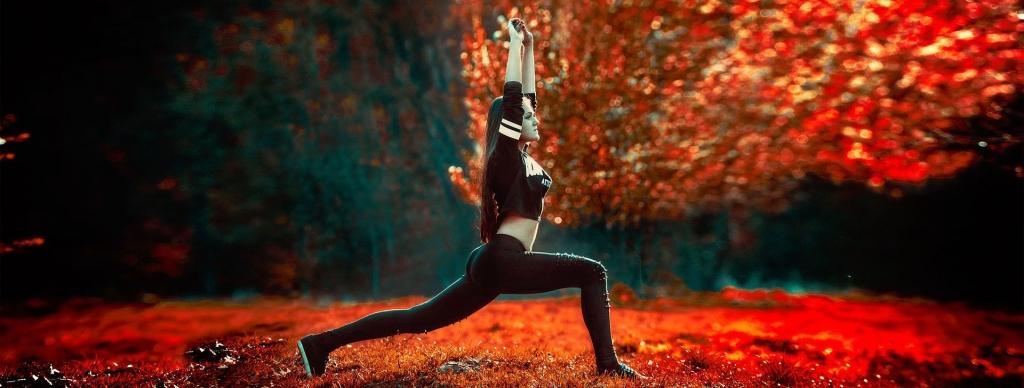 yoga-girl-breit